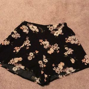 Hollister Floral Flowy Shorts